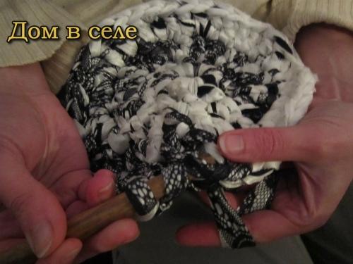 Вязаный коврик крючком из тряпок. Полезная штука для дома ...